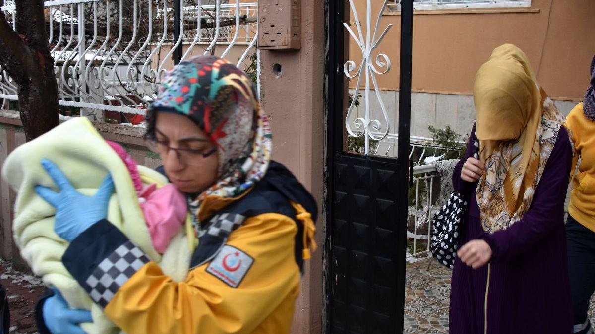 Kan donduran erkek vahşeti: Eşini ve bebeğini dövdü, serbest kaldı