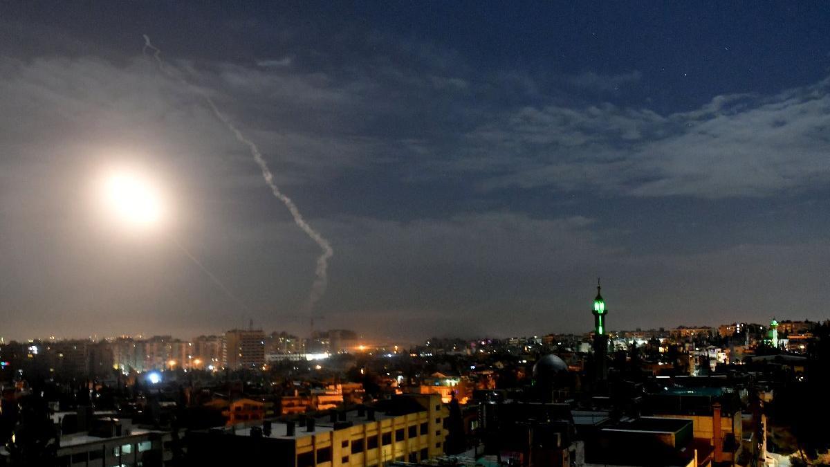 Suriye'de sular ısınıyor... İsrail, Suriye'yi vurdu, İran ve Rusya devreye girdi