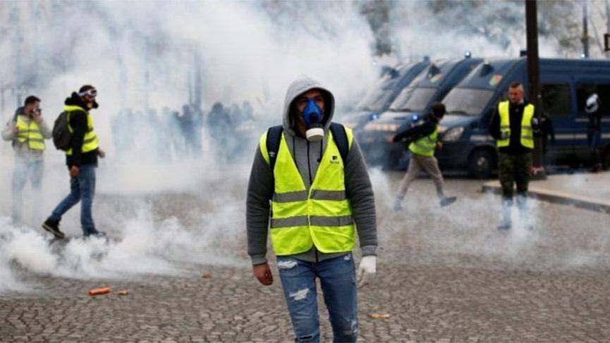 Fransa'da eylemcilere ceza geliyor!