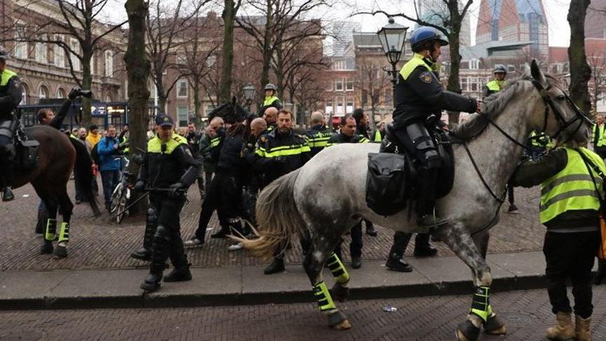 Fransa'daki gösterilerde 216 kişi tutuklandı!