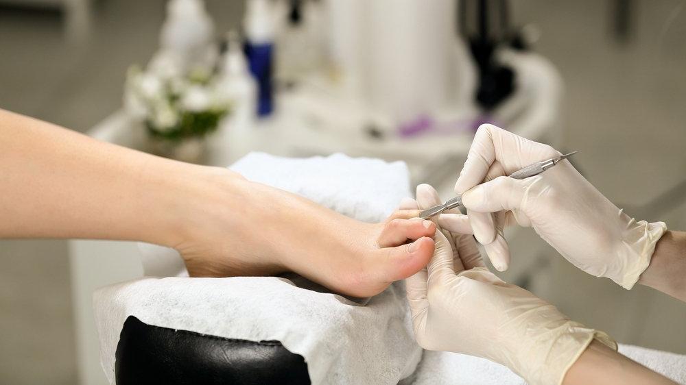 Prof. Dr. Ahmet Akgül: Pedikür yaptırmak bacakta hastalık nedeni olabilir