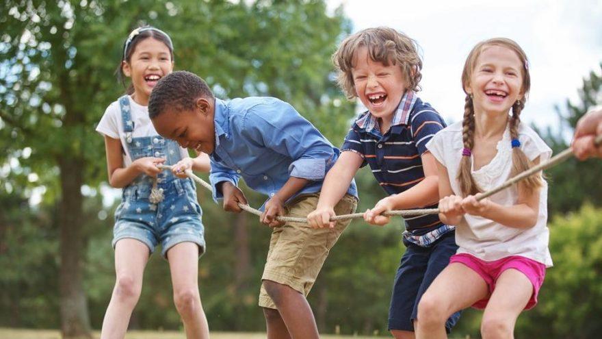 Hadi ipucu sorusu belli oldu! Koruma altındaki çocuk ve gençler ile ilgili çalışmalar gerçekleştiren derneğin adı nedir? 8 Ocak