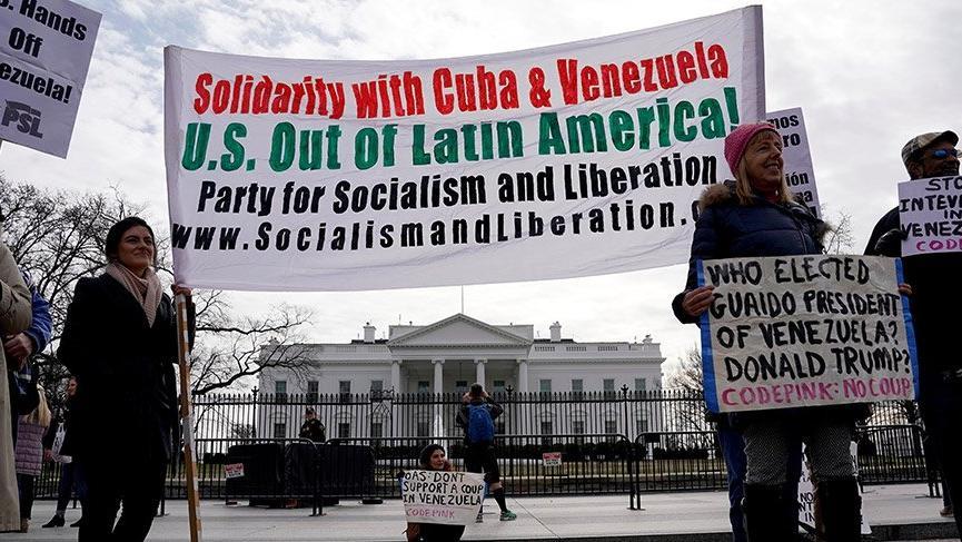 ABD'nin Venezuela politikası Beyaz Saray önünde protesto edildi