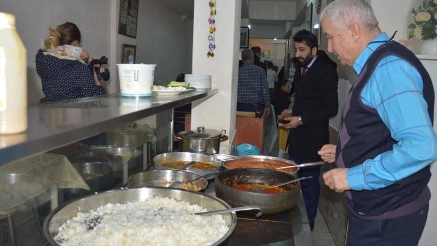 Lokantacılar, yemek çeklerinin geç ödenmesinden şikayetçi