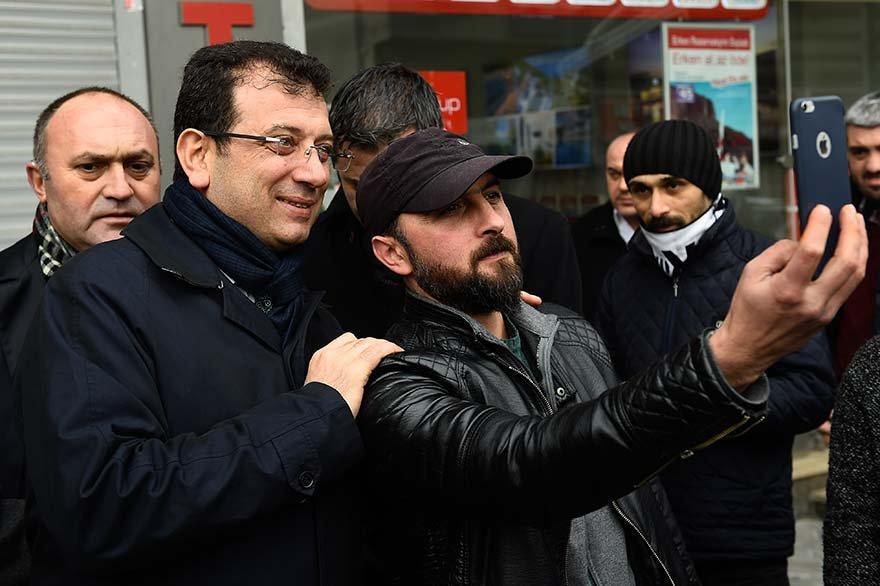 FOTO: DHA -CHP'nin İstanbul Büyükşehir Belediye Başkan Adayı Ekrem İmamoğlu, Bağcılar'da esnafı ziyaret ederek vatandaşlarla sohbet etti