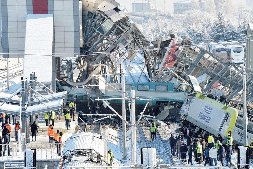 9 kişinin öldüğü 86 kişinin yaralandığı tren kazasıyla ilgili kontrolör, tren teşkil memuru (makasçı) ve tren hareket memuru gözaltına alındı.