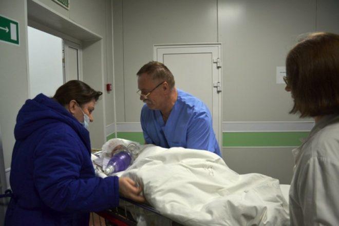 Kurtarılan bebek hastanede tedavi altına alındı.
