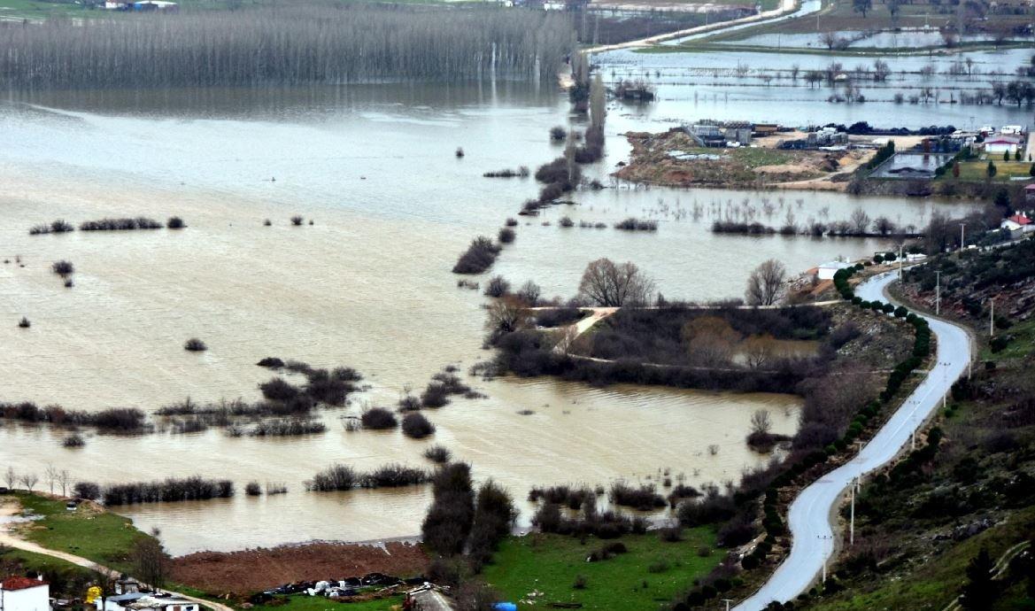 Muğla'da bazı tarım alanları sular altında kaldı.