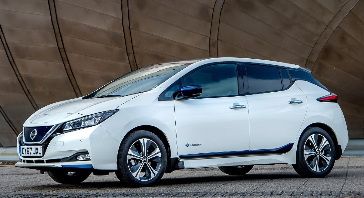 nissan-leaf_uk-version-2018-1600-03-kopya