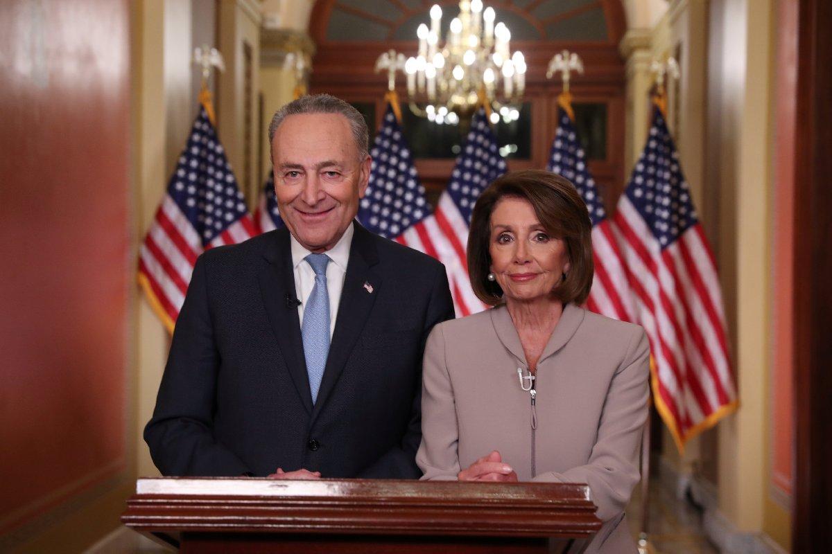 Temsilciler Meclisi Başkanı Nancy Pelosi ve Demokratların Senato'daki lideri Chuck Schumer, Trump'a sert açıklamalarda bulundu.