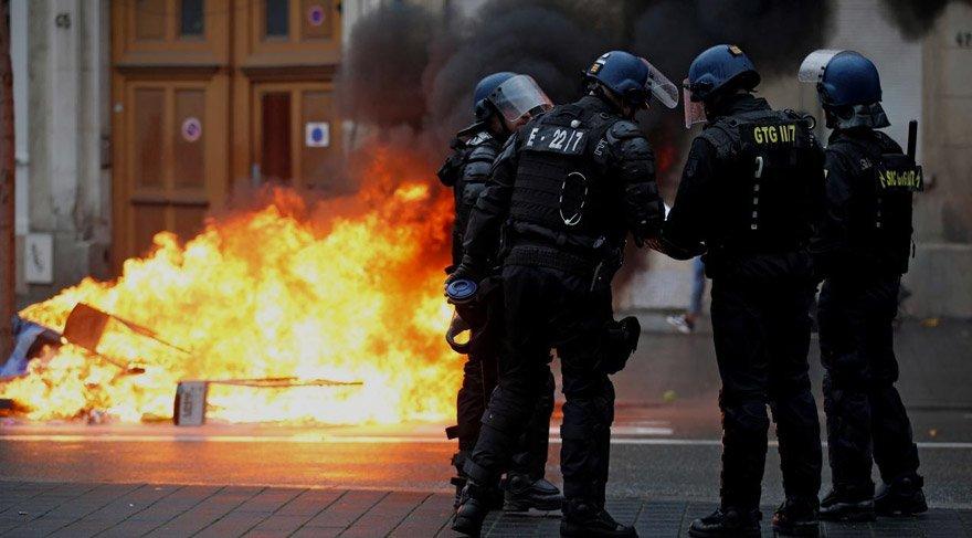 Polisin eylemcilere sert müdahalesi gündeme gelmişti. Reuters