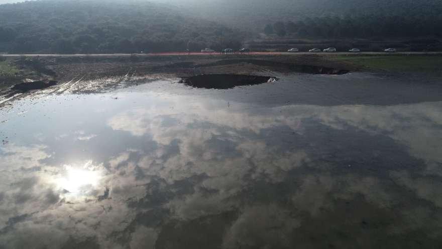 Dev obruk havadan görüntülendi Foto: İHA