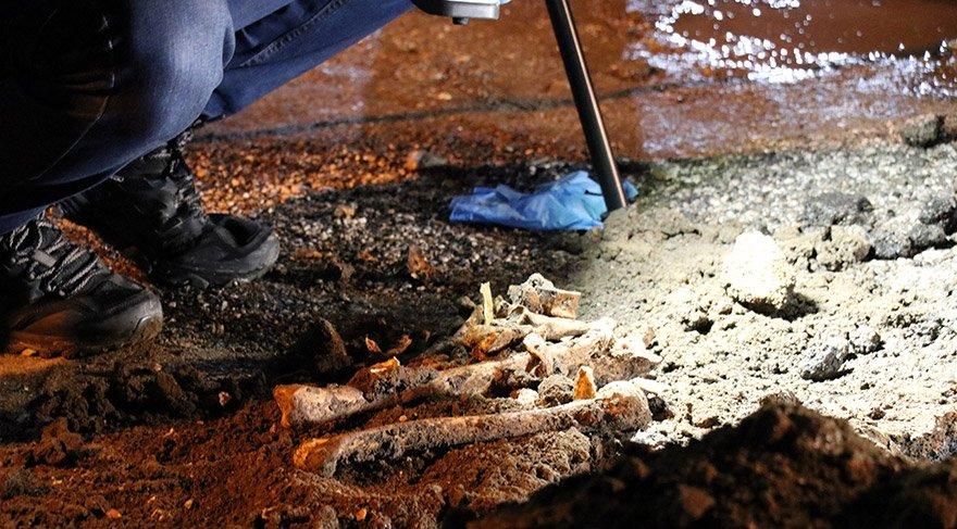 Kırklareli'nin Demirköy ilçesinde, bir okulun bahçesinde yapılan kazı çalışmaları sırasında kafatası ile insan kemikleri bulundu. FOTOĞRAFLAR:AA