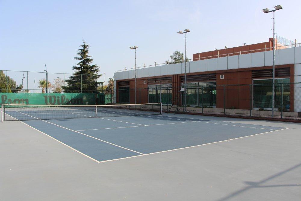 samsun-belediyesi-ne-varsa-satiyor-tenis-kortu
