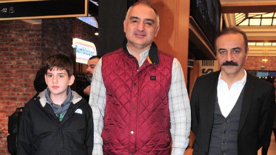 Kültür ve Turizm Bakanı, ailesiyle birlikte Organize İşler 2 filmini izledi