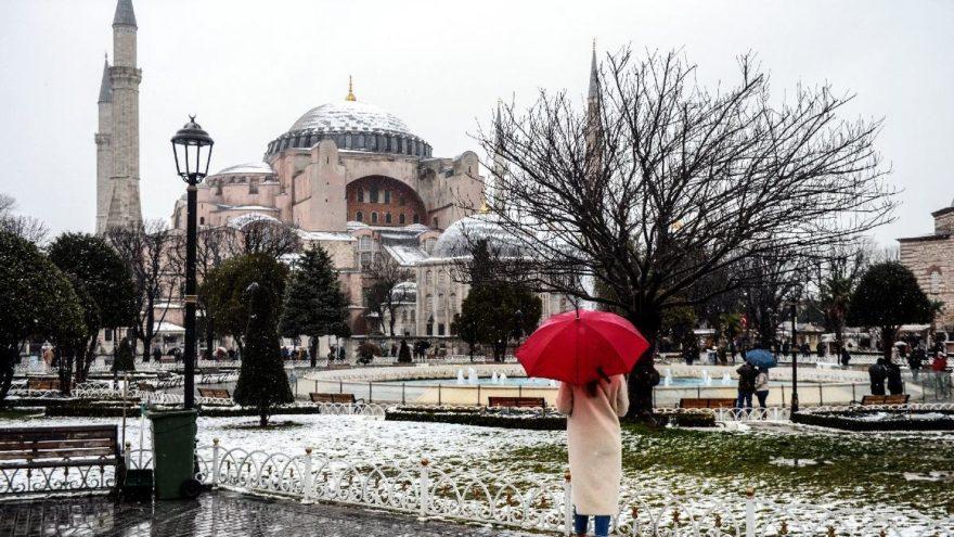 İstanbul Valisi Ali Yerlikaya açıkladı! İstanbul'da yarın okullar tatil!