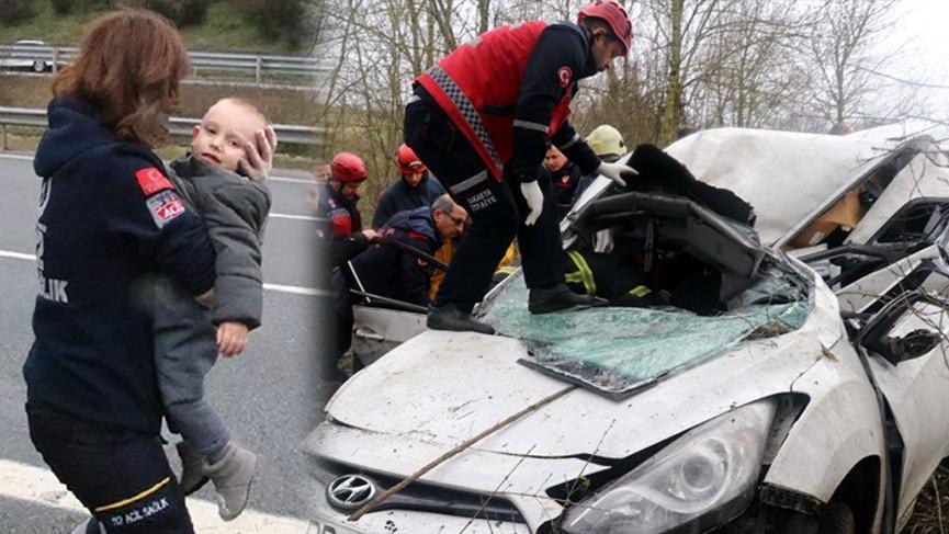 Feci kazada sürücü ve eşi öldü, çocuklarının burnu bile kanamadı