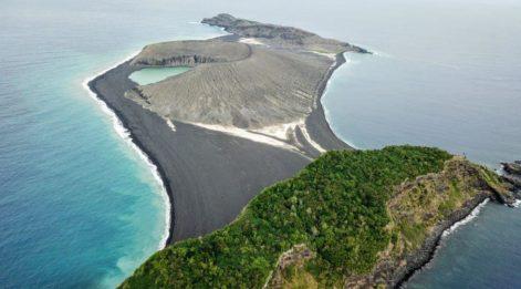 Dünyanın en yeni adasında şaşırtan keşif