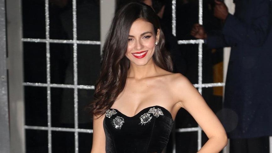 Victoria Justice amfAR galasında Türk tasarımcı tercih etti