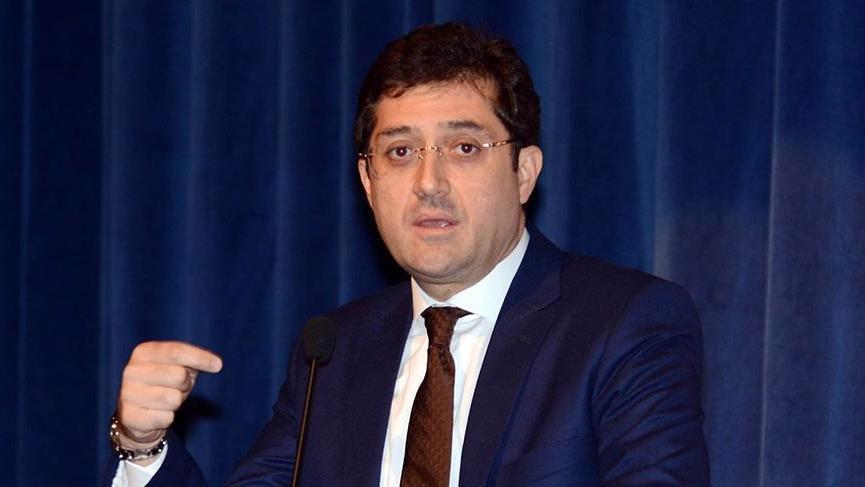 Eski Beşiktaş Belediye Başkanı Hazinedar, CHP'den istifa etti