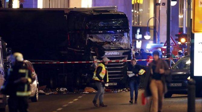 Almanya'ya terör saldırısıyla ilgili bağlantıyı 'örtbas etme' suçlaması