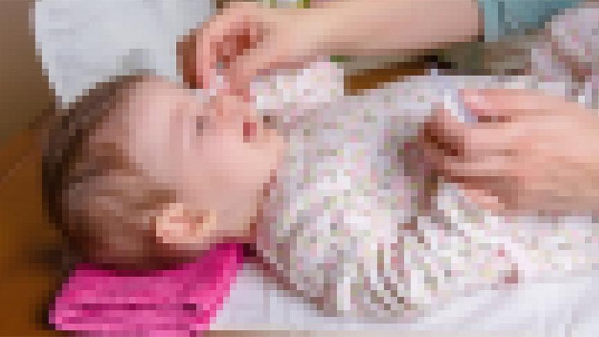 Şanlıurfa'da üzerine televizyon düşen bebek öldü