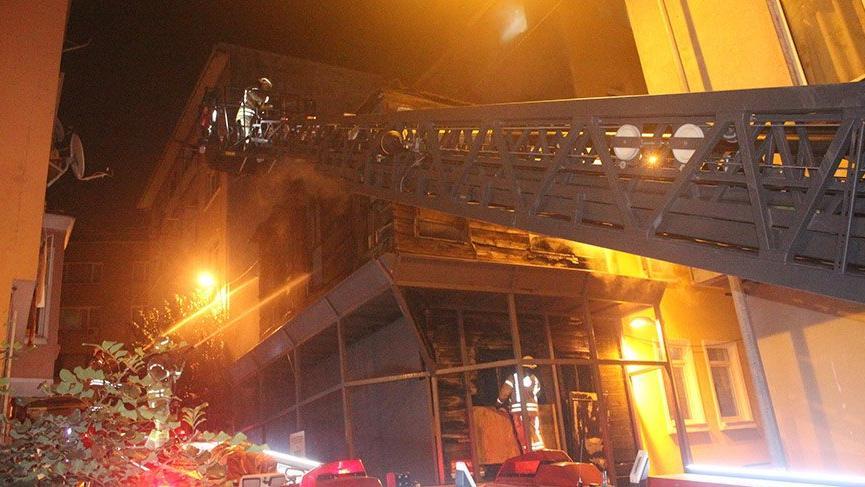 Beşiktaş'ta kullanılmayan binada yangın!