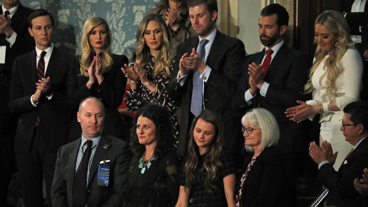 Kongre'de dikkat çeken detay: Trump'ın kızı babasına isyan mı ediyor?