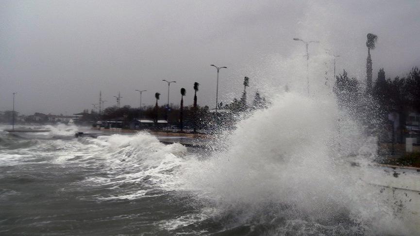 Son Dakika… Deniz ulaşımına fırtına engeli