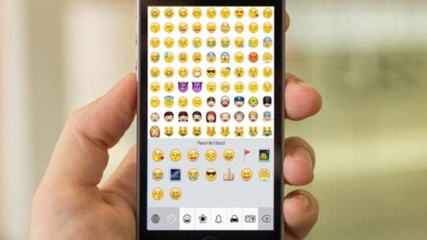 Emojiler cepten sonra plakalara giriyor!