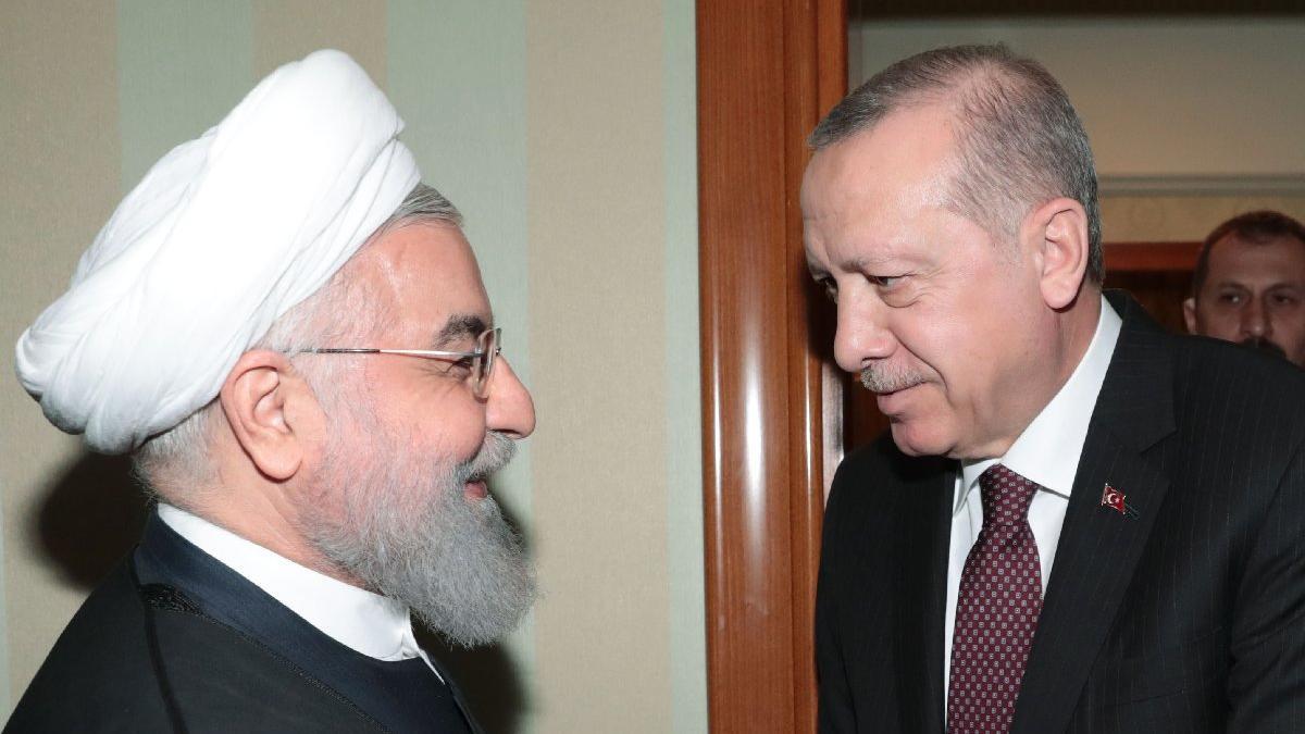 Cumhurbaşkanı Erdoğan Soçi'de... Üçlü zirve öncesi Ruhani'yle ikili görüşme