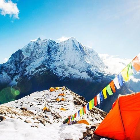 Çin, Everest Dağı'nı çöp nedeniyle turistlere kapattı