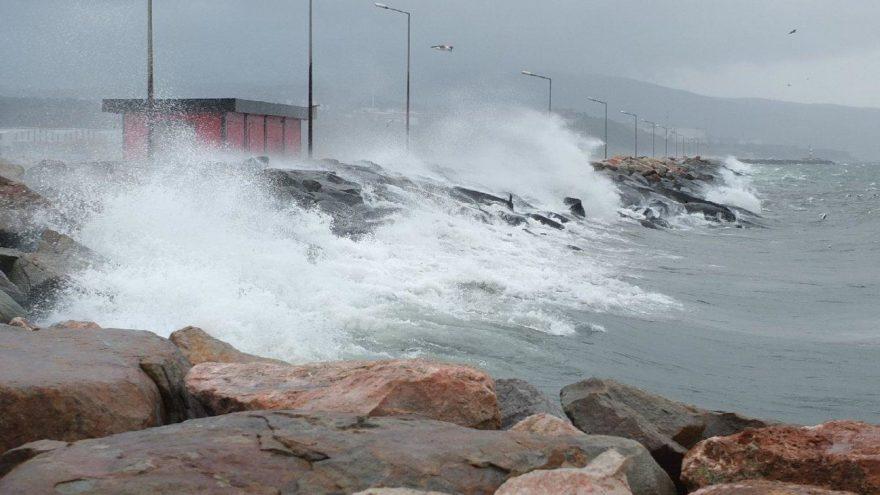 Meteoroloji'den hava durumu açıklaması: Kuvvetli sağanak yağış geliyor önleminizi alın!