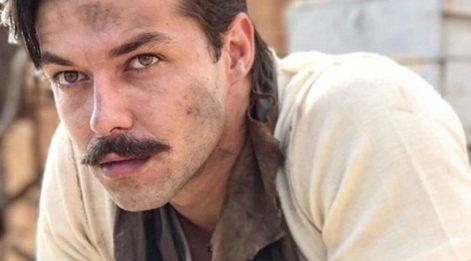 Hilmi Cem İntepe kimdir, kaç yaşındadır? İşte yakışıklı oyuncu hakkında merak edilenler...