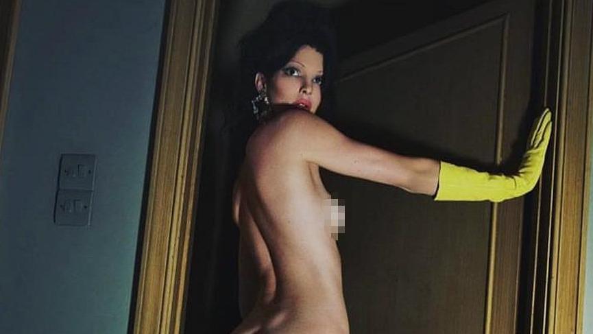 Kendall Jenner Mert Alaş'a çıplak poz verdi