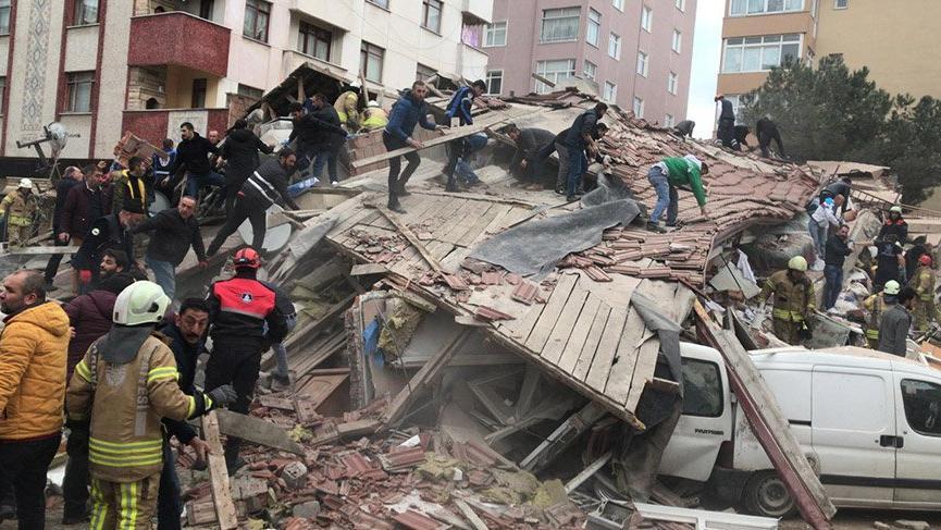 Kartal'da yıkılan bina başkan yardımcısının akrabalarının çıktı