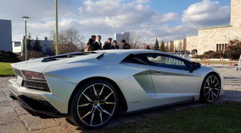 Meclis'te Lamborghini etkisi