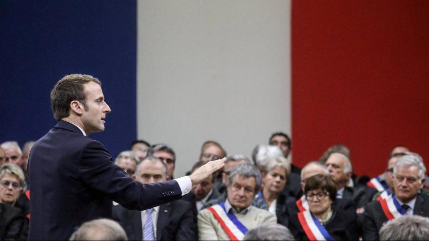 Fransız basını: Macron referanduma gidecek