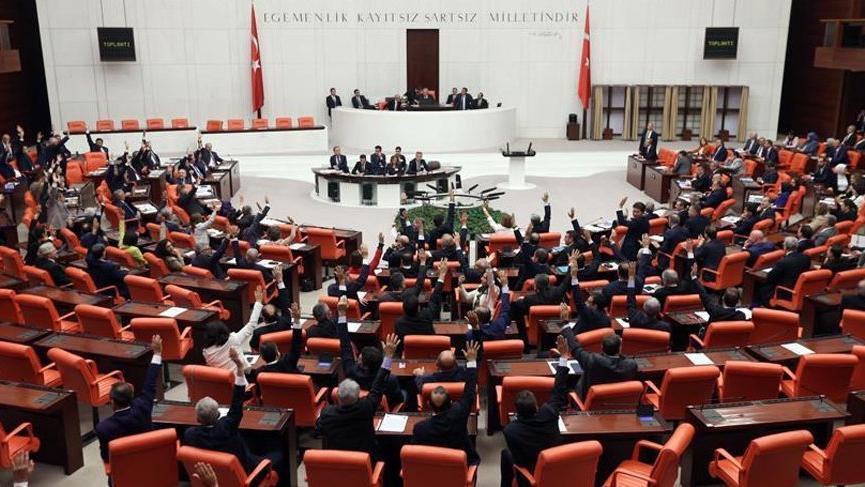 Meclis'te bir ilk: 9 parti de 'evet' dedi
