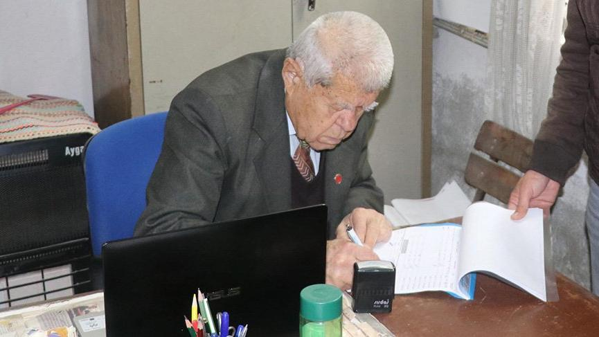 90 yaşındaki 35 yıllık muhtar yeniden aday