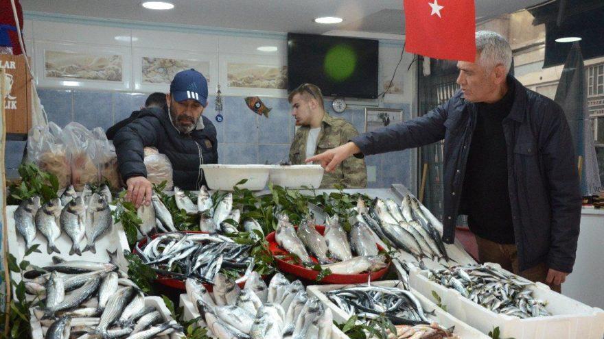 Balık fiyatları 10 TL'ye sabitlendi, talep patladı