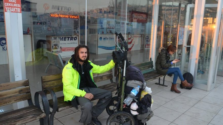 Yürüyerek dünyayı geziyor… 8 aydır yolda