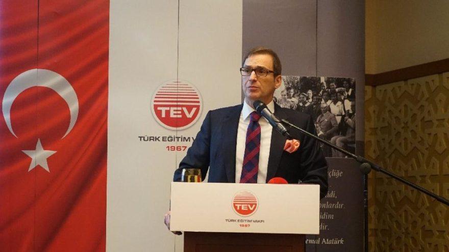 TEV, üstün başarılı bursiyerlerini tanıttı