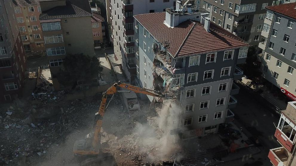 Kartal'da ikinci yıkıma başlandı