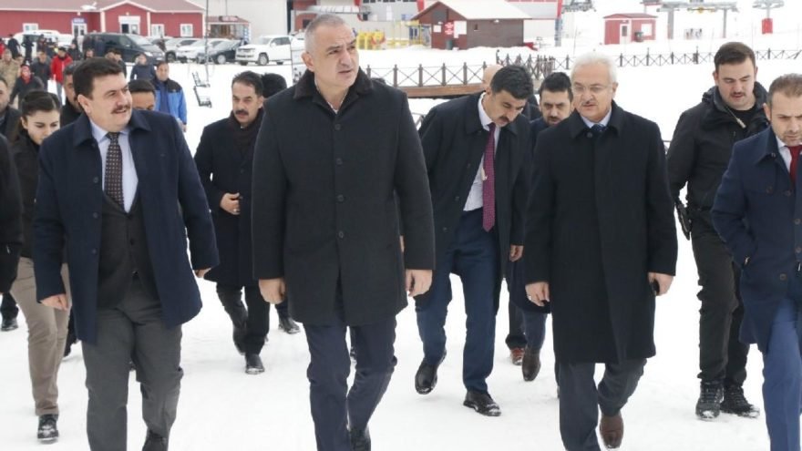 Bakan Ersoy, Turizm ve Doğa Sporları Çalıştayı'na katıldı