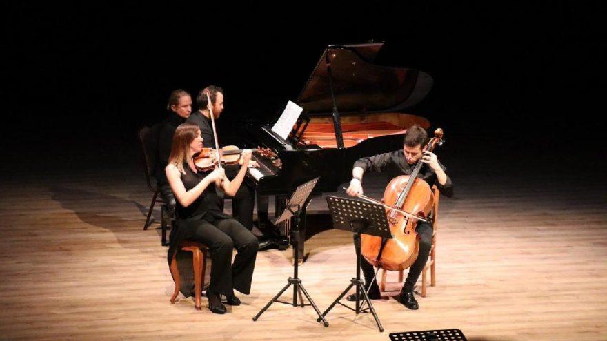 Bodrum'da Romantik Dönem'den Latin Dünyası'na konseri