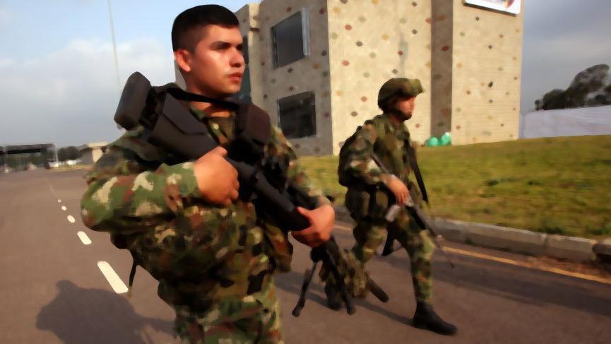 Venezuela askerlerinin açtığı ateş sonucu ölenlerin sayısı 2'ye çıktı
