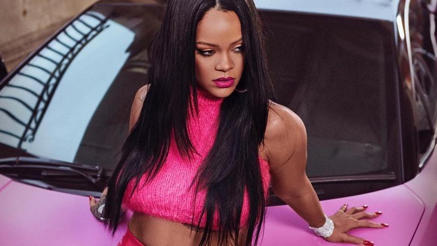 Rihanna kozmetik markasının yeni rujunu tanıttı