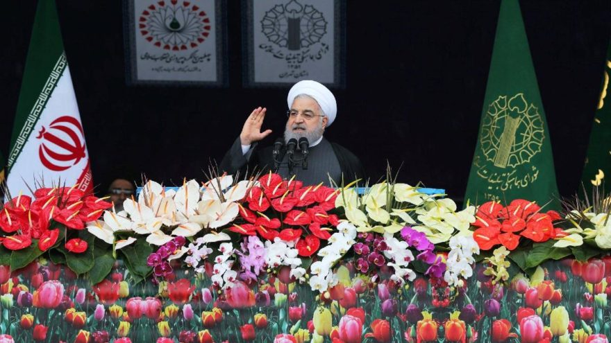 Ruhani'den 40. yıl kutlamalarında gözdağı: Kimseden izin almayacağız