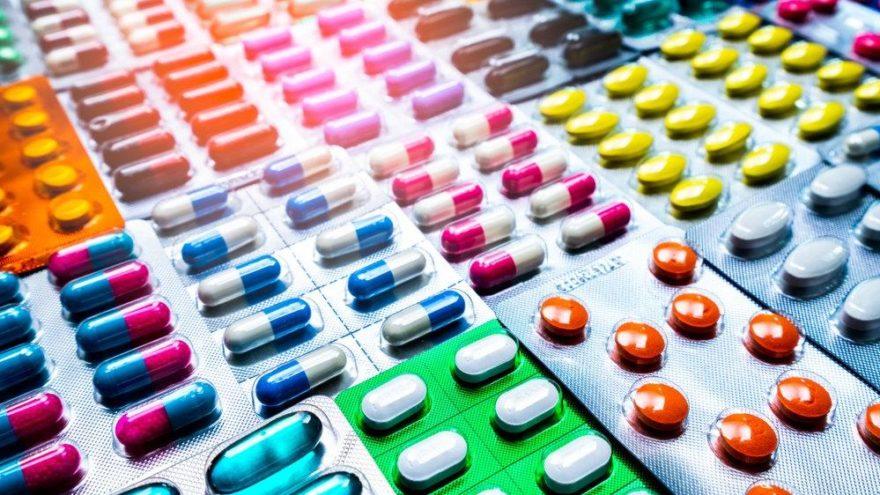 Eczacıları Birliği'nden ilaç açıklaması: Sorumlular ilaç depoları ve firmalar